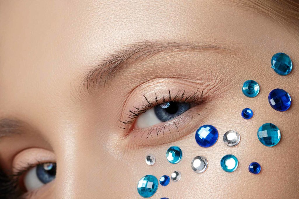 4 Useful Beauty Tips For People With Sensitive Eyes