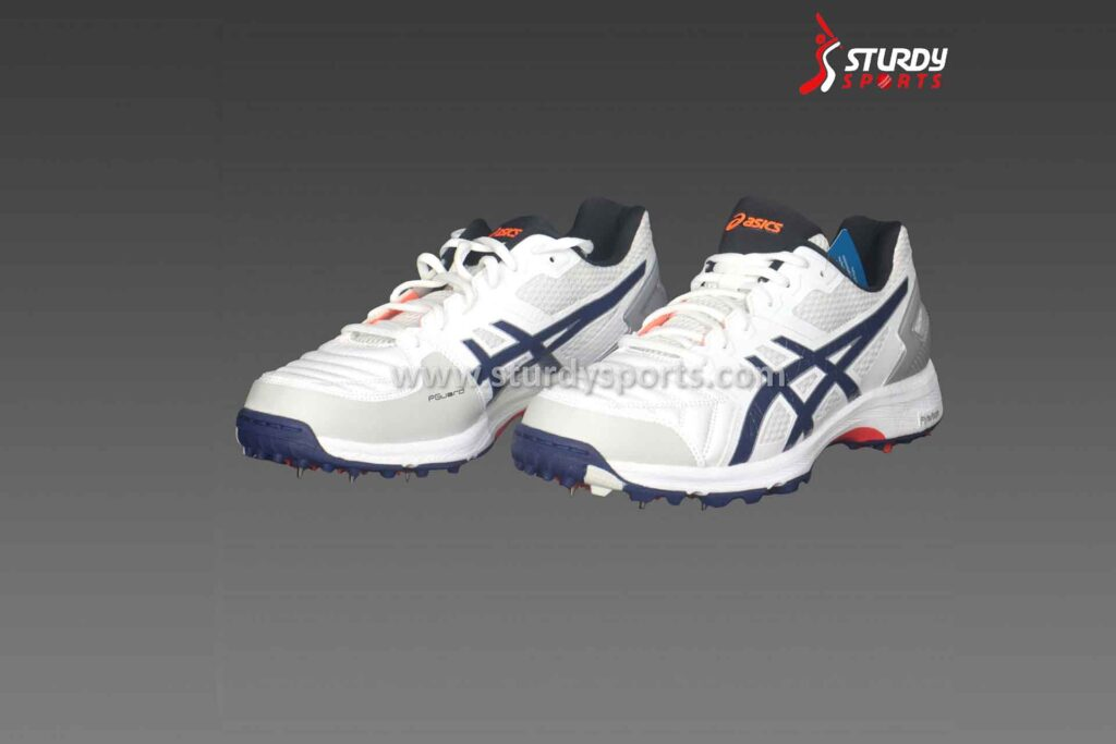How To Choose The Right Cricket Shoes For You