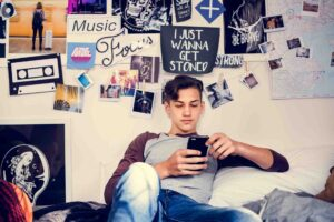 Smart Tips to Protect Your Children on Social Networking